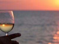 6 consejos para disfrutar del vino en vacaciones