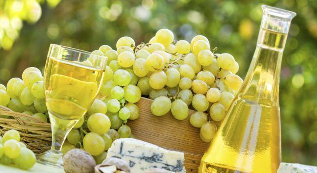Uvas blancas en España y fermentación en roble: matrimonio feliz