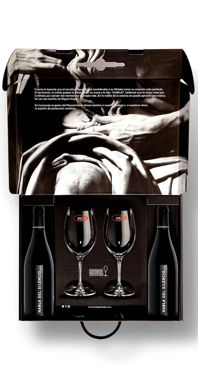 Estuche formado por 2 botellas del vino blanco Habla del Silencio... y dos copas Riedel