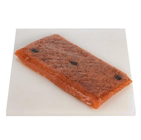 Lomo corazón de salmón marinado y al café