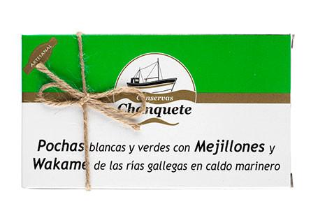 Pochas verdes y blancas con mejillones y wakame