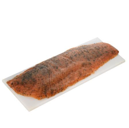Salmón noruego marinado con eneldo y especias